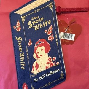 Bésame Cosmetics Snow White Book Pouch
